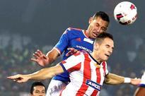 Kolkata clinch thriller to enter final