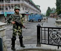 Kashmir unrest: Curfew re-imposed in the Valley after fresh clashes between protesters and forces