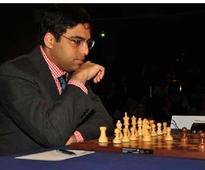 Anand beats Istratescu to lead his group