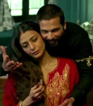 Review: Haider may be Vishal Bhardwaj's best film