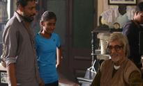 Deepika Padukone meets Shoojit Sircar's daughters on the sets of 'Piku'