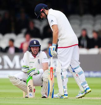 Cook, Bell survive Test of character against aggressive Kiwis