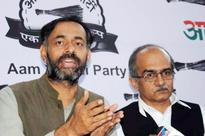 Decks cleared for Yadav, Bhushan's ouster from AAP, say sources