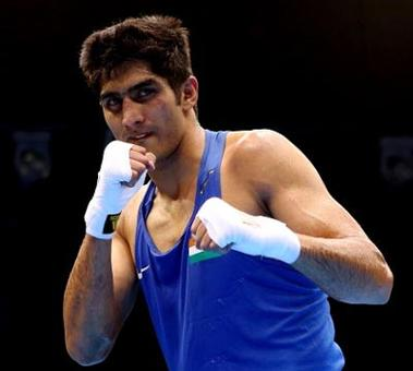 CWG 2014: Vijender storms into semis; assured of a medal