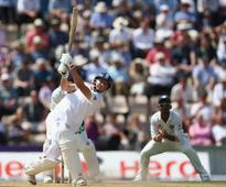 England build quickly on 239 lead