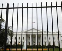 Man charged after jumping White House fence, dogs cleared for duty