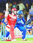 Mitch bowled a super over, lauds Sehwag