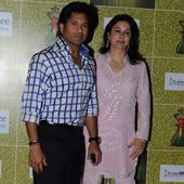 Wedding anniversary wishes galore for Sachin Tendulkar