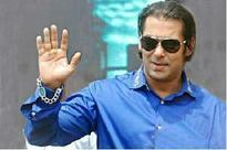 Salman asked to leave accident site due to mob threat: Lawyer