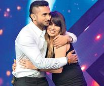 Finally, Honey Singh`s wife steps out