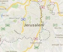 Palestinian stabs 2 Israelis in Jerusalem, shot dead