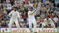 England Declares at 569-7 Against India