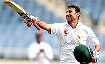 Younis breaks 10,000-run barrier as Pakistan build reply