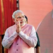 Selfies, smiles and hand shakes: it was media's Narendra Modi moment
