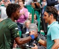 Federer wary of dangerman Monfils