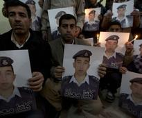 Relatives of Jordanian pilot urge govt to be more open about negotiations