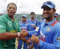 India restrict South Africa to 280/6