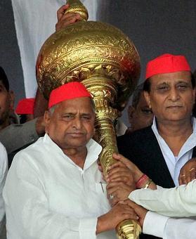 Grand alliance breaks in Bihar; 'humiliated' Mulayam walks away