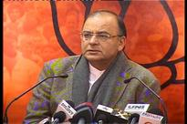 Jaitley hits out at Rahul for comparing Modi to Hitler