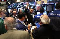 US stocks fluctuate, dollar rises on Ukraine tension, Janet Yellen