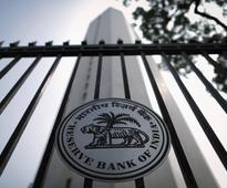 In bid to rein in bad debt, RBI allows foreign investors to buy bonds in default