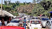 Araku Tourists in Traffic Nightmare