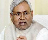 Nitish targets Cong, BJP over special status