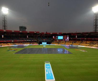 RCB vs Sunrisers IPL match called off due to rain