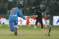 2nd ODI goes to last over as NZ beats India by 6 runs