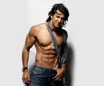 Being Nasty? Hrithik gets cheeky with Aamir
