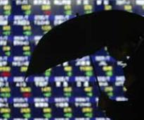 Asian shares, dollar struggle as Ukraine tensions rise