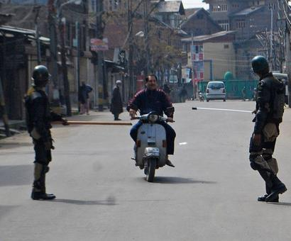 Curfew reimposed in parts of Kashmir