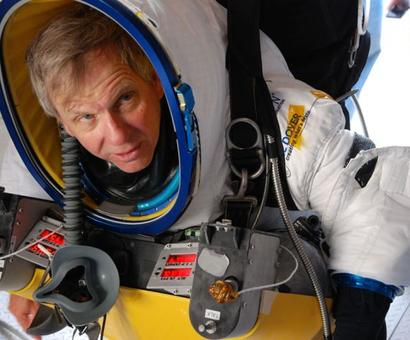 Taking the plunge: Man makes 135,000 foot jump in 15 seconds