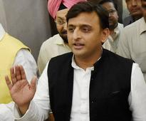 SP saga: Akhilesh updates Governor about political scene in UP