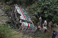 Ten killed, 25 injured in road mishap in Jharkhand
