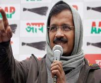 Stones pelted at Kejriwal rally