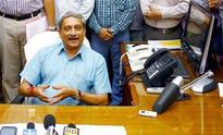 Defence Minister Manohar Parrikar okays big gun deal of Rs 15,750 crore