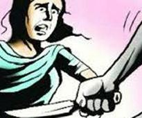 Fear of being ditched, man stabs girlfriend ...