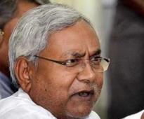 Nitish announces one-day fast against Land Bill