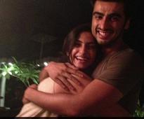 Arjun Kapoor tweets about Sonam's health