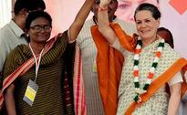 40 percent Gujarat is Thirsty, says Sonia Gandhi