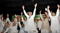 Break the JD(U) legislative party if you have might: Nitish Kumar dares Sharad Yadav faction