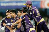 Lynn takes a stunner to swing it for KKR