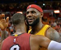 Applause and defeat for LeBron in Miami return