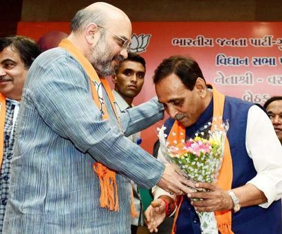 Leads: BJP crosses halfway mark in Gujarat, says EC