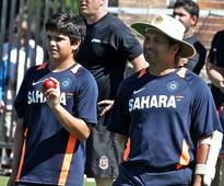 Give Arjun breathing room, says Tendulkar as his son leaves for SA tour