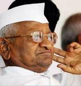 Hazare vs AAP: Anna rebukes Kejriwals man at fast venue