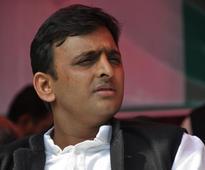 Akhilesh rakes up black money, power, wifi issues