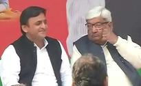 Akhilesh Yadav On Stage With Wife. Father Mulayam A No-Show (So Far)