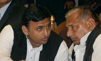 Samajwadi Party rift widens, Mulayam and Akhilesh stay divided